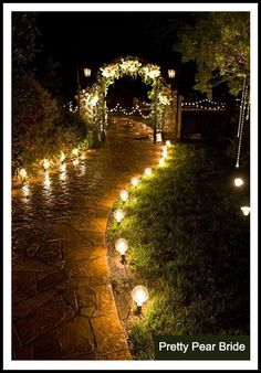 {Things I Love Thursday} Nighttime Garden Weddings || Pretty Pear Bride