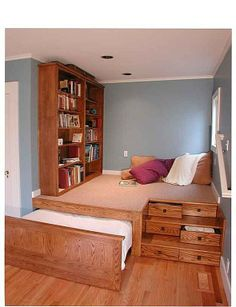 """Craftsman """"Kids"""" Bedroom - The place I pinned this from called it a kids bedroom, but looks like a cool """"spare room"""" / multi-purpose =)"""