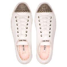 Bubble toe sneakers