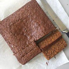 Yorkshire Parkin sliced Parkin Cake Recipe, Parkin Recipes, Easy Sponge Cake Recipe, Sponge Cake Recipes, Yorkshire Parkin, Yorkshire Food, Bonfire Toffee, Sticky Ginger Cake, Home Baking