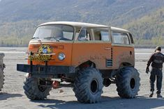 VW T2 compact monstertruck