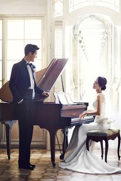 pre wedding with piano
