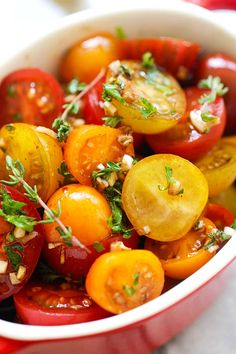 Marinated Tomatoes - healthy tomatoes marinated with olive oil, balsamic vinegar and herbs. A perfect side dish that everyone loves.