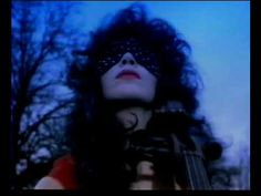 Eurythmics - Sweet Dreams (1983)