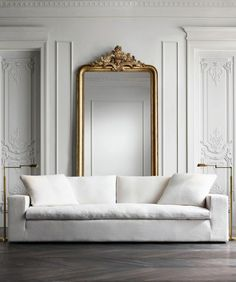 ▷ 1001 + ideas for living room wall paint ▷ 1001 + Ideen für Wohnzimmer Wandfarbe 2018 White wall paint, large mirror with golden frame, white sofa and floor lamps - Contemporary Wall Mirrors, Contemporary Furniture, Contemporary Wallpaper, Scandinavian Furniture, Contemporary Architecture, Modern Wall, Contemporary Style, Home Living Room, Living Room Decor
