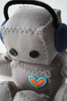Robot Plush. So cute! I'm a make this little guy. Or bobot like Charlee calls it...