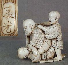 19c netsuke BLIND MEN FIGHTING by RYOKO ex Royal