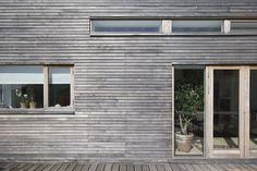 Liggande träpanel - träfönster