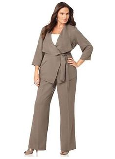plus size womens business attire Fall Business Attire, Plus Size Business Attire, Business Fashion, Business Suits, Plus Size Suits, Plus Size Women, Plus Size Dresses, Plus Size Professional, Professional Dresses