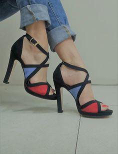 Sandali donna neri con inserti colorati cinturino alla caviglia tacco 11 Made in Italy Pumps, Heels, Beige, Fashion, Heel, Moda, Fashion Styles, Pumps Heels, Pump Shoes