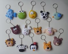 Clay Keychain, Biscuit, Fondant Figures, Christmas Ornaments, Holiday Decor, Ideas, Google, Cold, Key Hangers