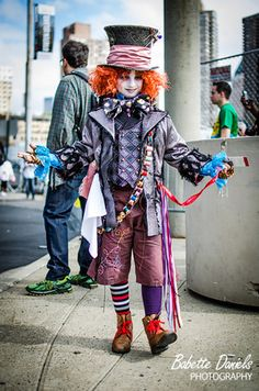 I go to a ton of conventions and have never seen ANY Tim Burton Mad Hatters look half as good as this kid.  He was absolutely perfect. Cospl...
