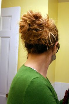 Easy Messy Bun Tutorial - probably the easiest tutorial I've ever seen.