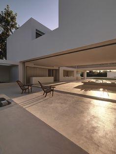 House over a Garden by Gus Wüstemann Architects
