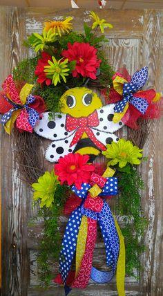 Wreath, Bumble Bee Wreath, Door Hanger, Bee Decor by SpecialgiftsbyTammy on Etsy