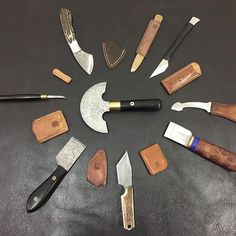 #leathercraft #leathergoods #leatherwork #leatherknife #leathertooling #leathertools #vintagetools #handmade #handcraft #koojim Leather Working Tools, Leather Craft Tools, Leather Projects, Leather Keychain, Leather Pouch, Leather Tooling, Leather Art, Classic Leather, Leather Workshop