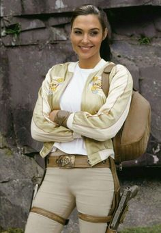 Angelina Jolie as Lara Croft in Tomb Raider: Cradle of Life 2003 Tomb Raider Angelina Jolie, Lara Croft Angelina Jolie, Angelina Jolie Fotos, Angelina Jolie Movies, Laura Croft, Gal Gadot Wonder Woman, Jolie Pitt, Celebs, Celebrities