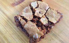 Het moeten niet altijd de bekende brownies zijn, vinden wij. Daarom maakt redactrice Robine in de 'Zon(dig)dag'-aflevering van vandaag blondies - gewoon brownies zonder chocolade, dus - mét Milky Way. Heaven on earth!