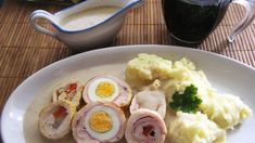 Fotorecept: Kuracie rolády Mashed Potatoes, Sausage, Chicken Recipes, Eggs, Meat, Breakfast, Ethnic Recipes, Food, Ground Chicken Recipes