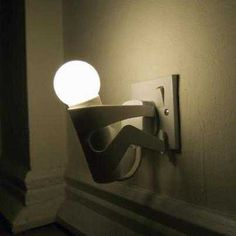 feel so random when i see this lamp on the wall... lol #FunnyLamp