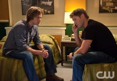"""Weekend at Bobby's"" - Jared Padalecki as Sam, Jensen Ackles as Dean in SUPERNATURAL on The CW.  Photo: Jack Rowand/The CW  ©2010 The CW Network, LLC. All Rights Reserved."
