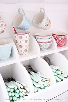 Make your coffee mug storage as unique as possible! Read this awesome DIY coffee cup holder ideas! Silverware Storage, Cutlery Holder, Utensil Storage, Craft Storage, Cozinha Shabby Chic, Coffee Cup Holder, Coffee Cup Storage, Coffee Cups, House Of Turquoise