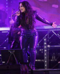 Demi Lovato performing at Fontainebleau Miami Beach in Miami, FL - December 31st 2017