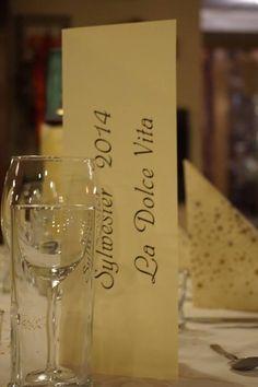 Sylwester we włoskim stylu :)  #2014 #2015 #sylwester White Wine, Alcoholic Drinks, Glass, Drinkware, Corning Glass, White Wines, Liquor Drinks, Alcoholic Beverages, Liquor