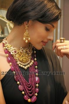 Jewellery Designs: Pachi Work Lakshmi Set .. Love the large ruby bead design