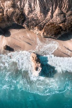 """theencompassingworld: """" banshy: """" El Matador Beach // Gab Scanu """" Explore The World Around Us """" Summer Vibes, El Matador Beach, Nature Photography, Travel Photography, Wow Photo, All Nature, To Infinity And Beyond, Belle Photo, Wonders Of The World"""