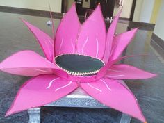 Create a Lotus for VaraLakshmi Vratam to place ammavaaru (varalakshmi Devi). As Sravana masam is approaching and everyone started to think. Mandir Decoration, Thali Decoration Ideas, Ganapati Decoration, Diy Diwali Decorations, Festival Decorations, Flower Decorations, Christmas Decorations, Paper Flowers Craft, Flower Crafts