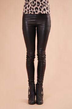 Serendipia - Leather leggings - Munderingskompagniet - skor & märkeskläder online, fashion online - bytimo, desigual, campomaggi, munderingscompagniet, darling Leather Leggings, Fashion Online, Outfits, Serendipity, Suits, Kleding, Outfit, Outfit Posts, Clothes