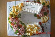 slaná podkova , Slané dorty | Dorty od mamy Sandwich Cake, Sandwiches, Buffet, Cold Cuts, Party Platters, Tray, Baking, Tableware, Kitchen