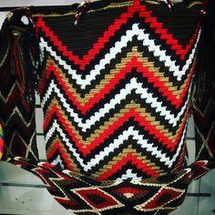 #mochilas #mochilaswayuu #mochila #wayuu #wayuubags #sombreroswag #bogota #artesaniaswayuu #artesanía #manillas #pulseras #medellin #cali #pasto #tulua #cali #españa #madrid #vacaciones #paris #londres #Playa #fitnes #mar #milan #cartagena #barranquilla #santaMarta #sincelejo #monteria
