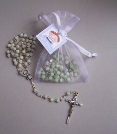 RECUERDOS DE PRIMERA COMUNION Y/O BAUTIZO X12 | Kotear. First Communion Decorations, First Communion Favors, First Holy Communion, Baby Baptism, Christening, Baptism Party Favors, Beaded Flowers, Baby Shower, Gifts