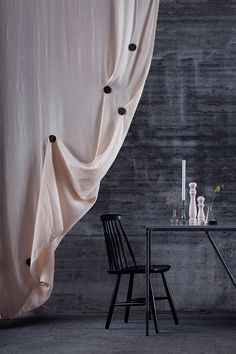 DISC – Magnetic Draping Tool Drape your curtains in your own unique way. Magnetic Disc is a draping tool that transforms your curtians into a canvas for your creativity. Carefully handmade in Stockholm/Sweden.Go on, create your own masterpiece! Styling och Product Design: Anna Wedin. Photo: Ida Halling. Copyright © 2013 ANNA WEDIN, All rights reserved. PAT. PENDING
