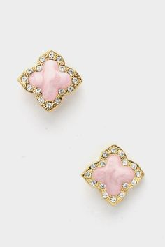 love the shape of these studs.. sophisticated :)