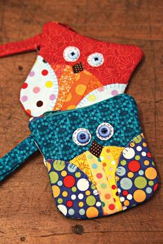 Owl zipper bags (pic only, no pattern or tute)
