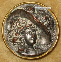 Silvered Copper Solitaire Picture Button Duchess Of Devonshire W/registry Mark Buttons photo