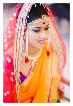 Traditional Marathi bride - makeup ideas plus veil