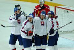 Richard patrí do úspešnej generácie slovenského hokeja. Na zábere zľava Lintner, Šatan, Zedník a Demitra.   Nový Čas