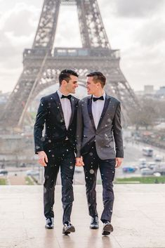 Cute Gay Couples, Couples In Love, Gay Proposal, Gay Men Weddings, Tumblr Gay, Gay Aesthetic, Lgbt Love, Couple Photography Poses, Couple Posing