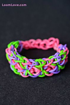 Mixing up colors instead of doing solid colored starbursts in the Starburst Bracelet gives the look of this bracelet, although it is still the starburst bracelet pattern.