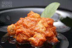 Deliciosos taquitos de cerdo, estofados en salsa de tomate. Ideal como segundo plato acompañado de patatas y un buen trozo de pan.