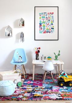 Your kids room will look SO good with this rug. Boucherouite rugs from @babasouk are the best to create a happy playroom for your toddlers