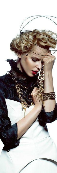 ~Karolina Smetek by Yulia Gorbachenko for Muse/ ♥ Lovely~Madorie Darling ♥ Monochrome Fashion, Black White Fashion, Black White Red, Couture Fashion, Fashion Beauty, Womens Fashion, Vogue, Boutique, Editorial Fashion