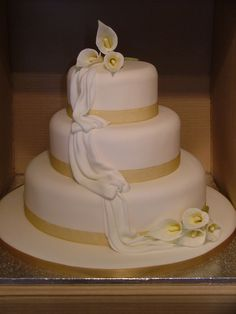 Cake Decorating Centre Sunderland : 1000+ images about Cakes with Cala Lilies on Pinterest ...