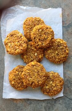Amaretti pistachio and fennel seeds - HQ Recipes Pumpkin Breakfast Cookies, Pumpkin Oatmeal Cookies, Oat Cookies, Healthy Cookies, Healthy Snacks, Healthy Pumpkin Muffins, Healthy Pumpkin Recipes, Pumpkin Recipes Toddler, Pumpkin Puree Recipes