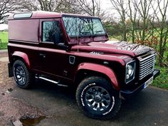 Land Rover Defender 90 Td4 customized hard top.