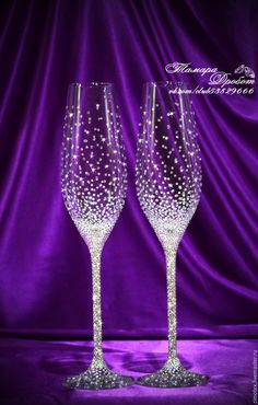 Image result for свадебные фужеры со стразами Wedding Toasting Glasses, Wedding Champagne Flutes, Wine Glass Crafts, Wine Bottle Crafts, Personalized Champagne Flutes, Personalized Wedding, 60th Birthday Ideas For Mom, Bride And Groom Glasses, Decorated Wine Glasses